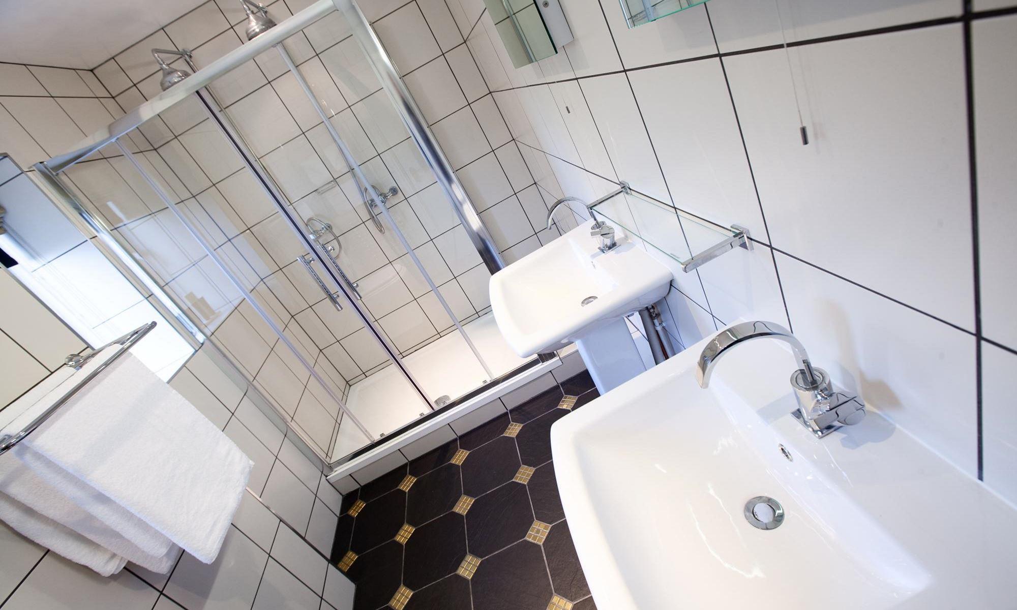 Chamberlain-Suite-Bathroom-1