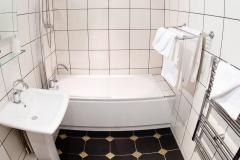 Warwick-Suite-Bathroom