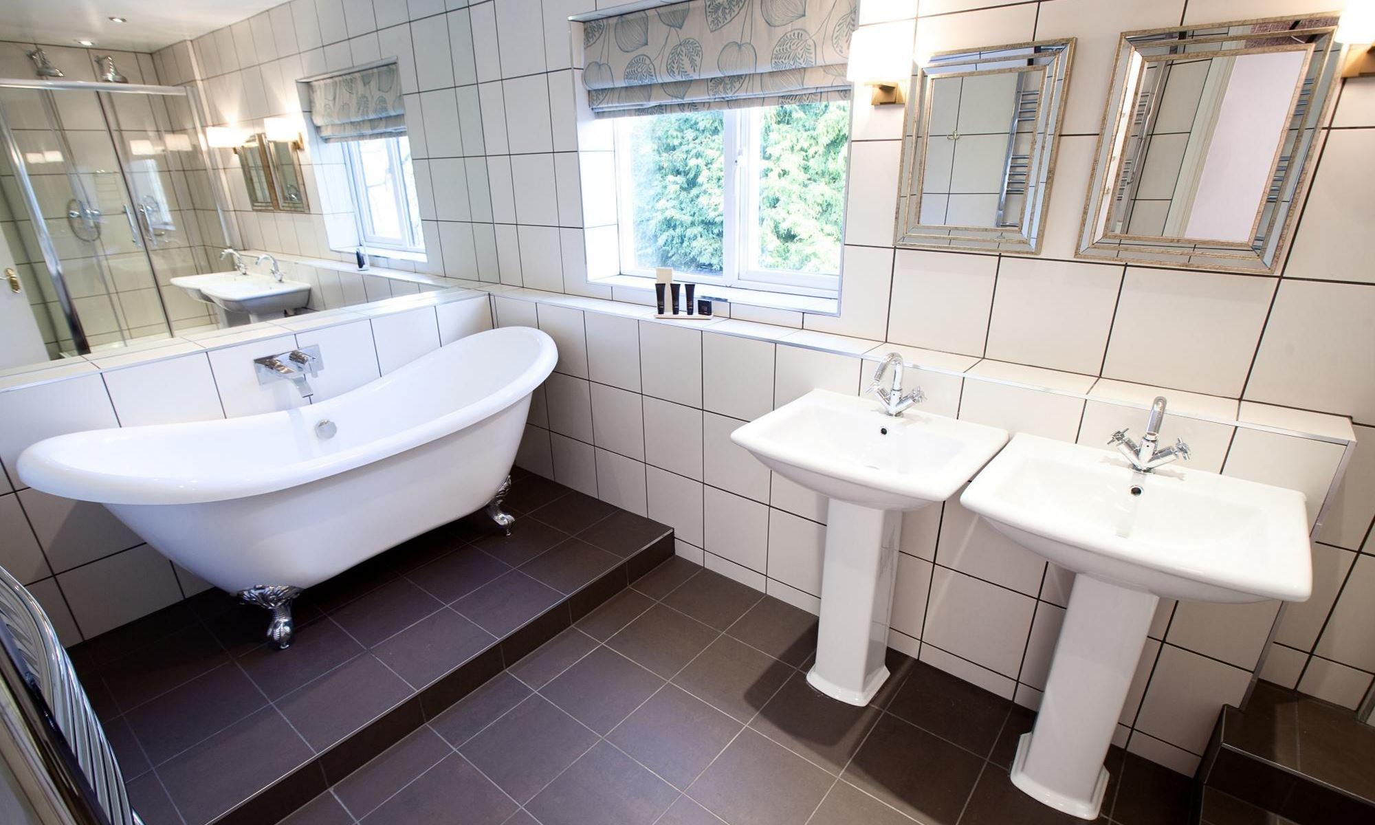 Henley-Suite-Bathroom-2