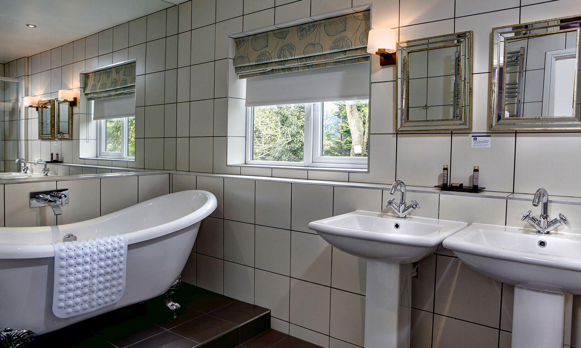 Henley-Suite-Bathroom-3