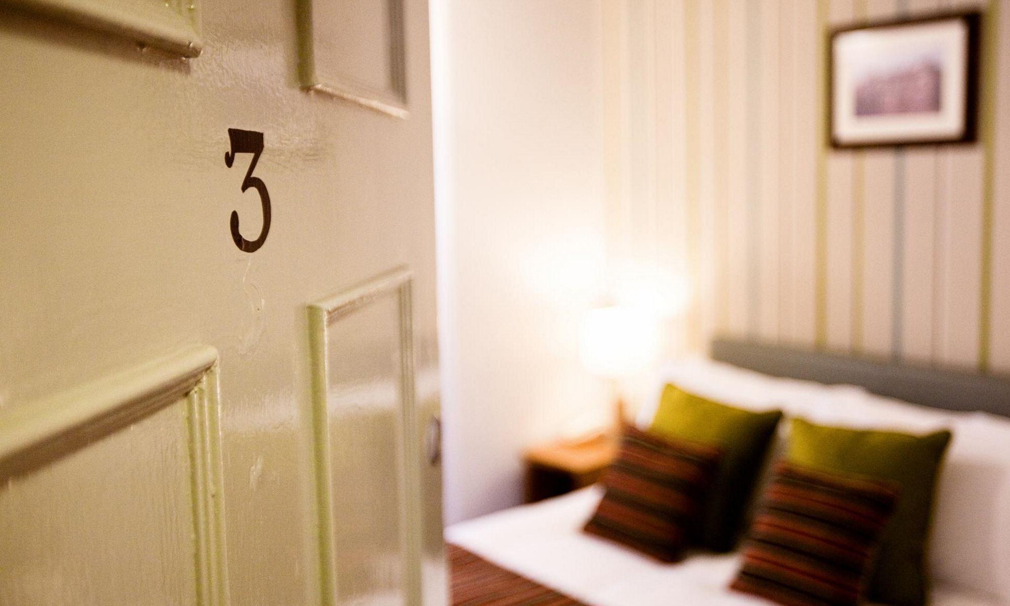 Standard-Room-5