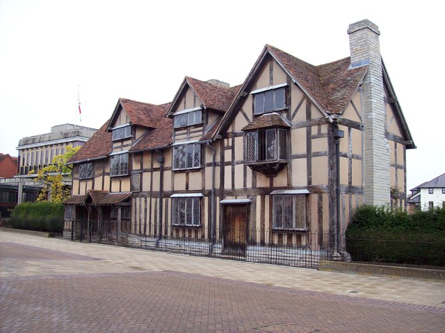 Attractions - Stratford-upon-Avon - Shakespeares-Birthplace